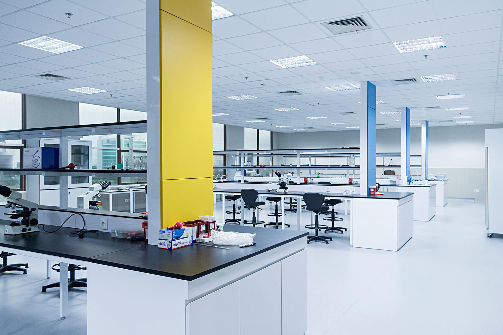 Indonesia-Science-Education-life-technology-research-international-institute-for-sciences-Teaching-Lab-6th-Floor-2