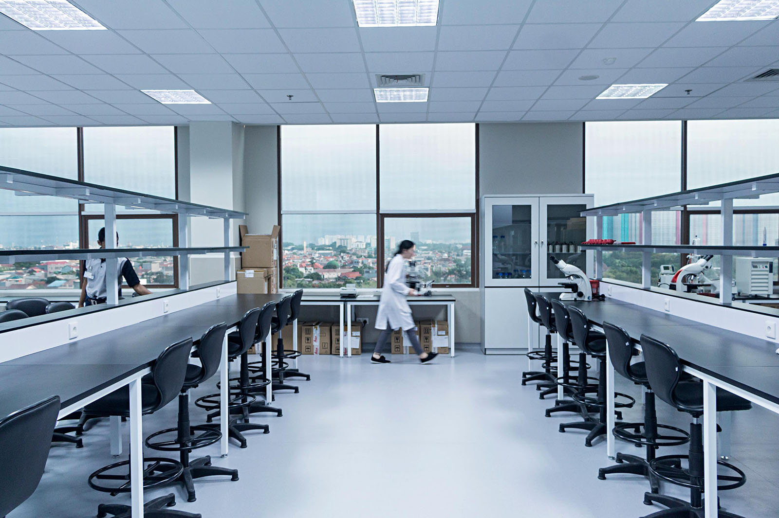 Indonesia-Science-Education-life-technology-research-international-institute-for-sciences-Teaching-Lab-6th-Floor-3